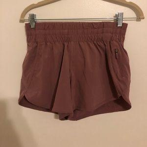 """Lululemon Tracker Shorts 4"""""""